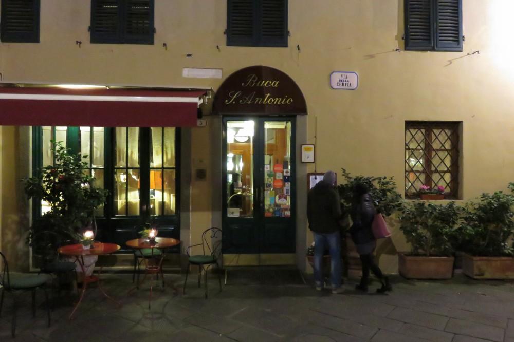 Buca di Sant'Antonio, l'osteria che fa storia