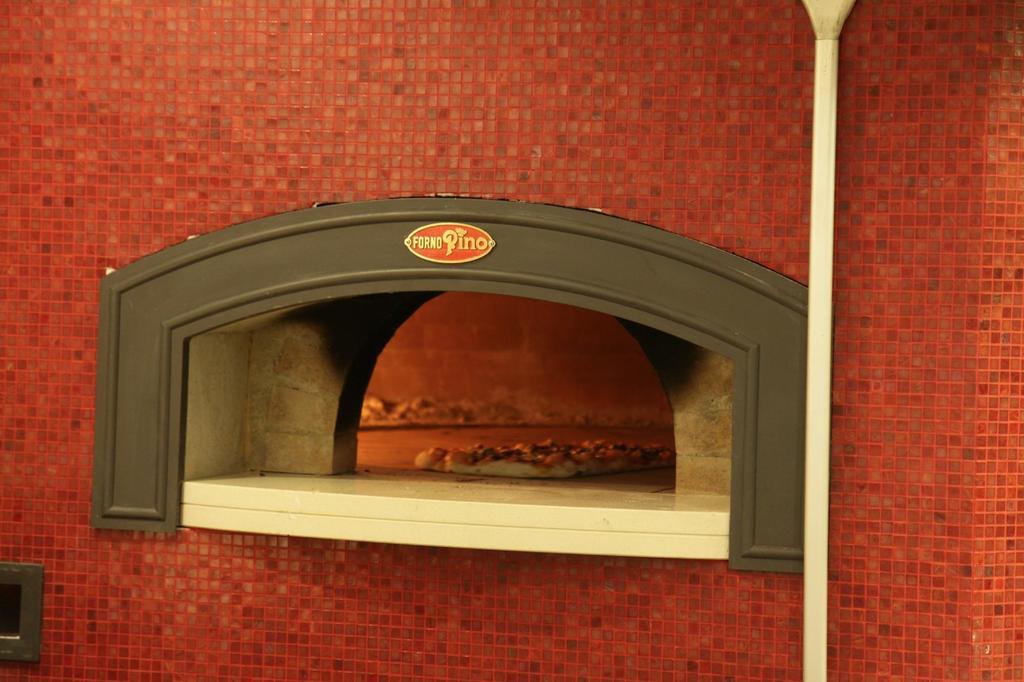 """Da Pino, la """"pizzalonga"""" a Mogliano Veneto"""