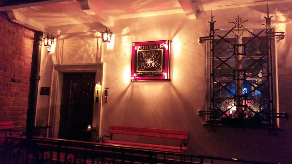 """Podwale Bar and Books, un lato """"english"""" di Varsavia"""