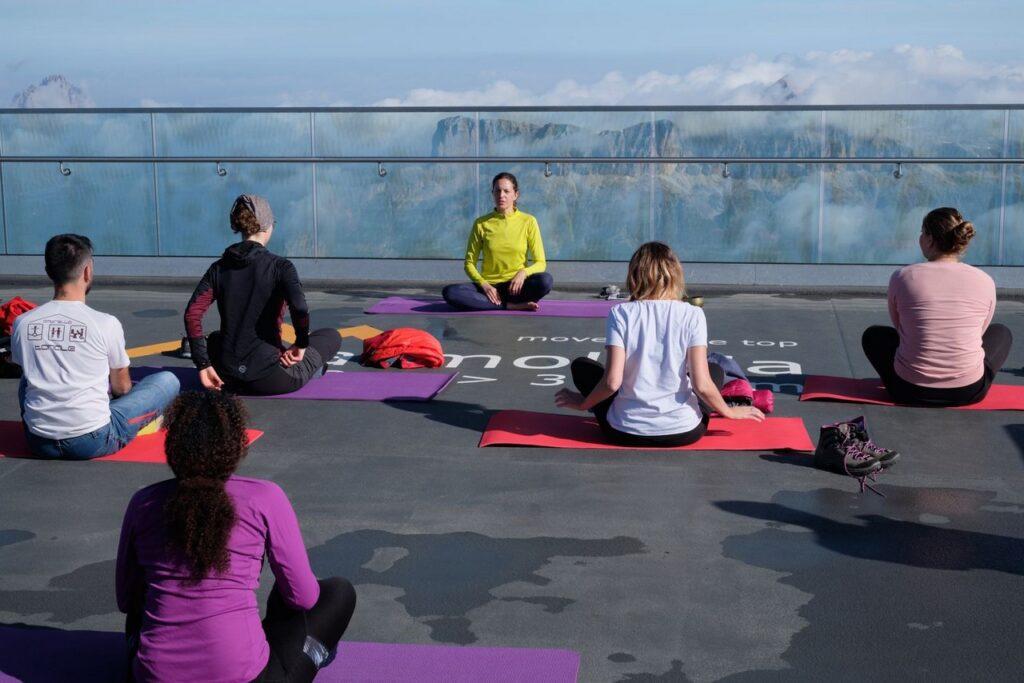 Yoga Marmolada_ph. Flavio Alberti